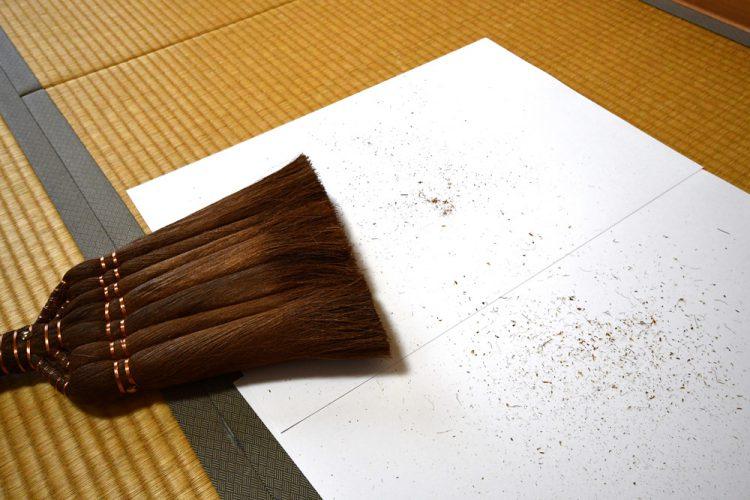 棕櫚箒からでた棕櫚粉